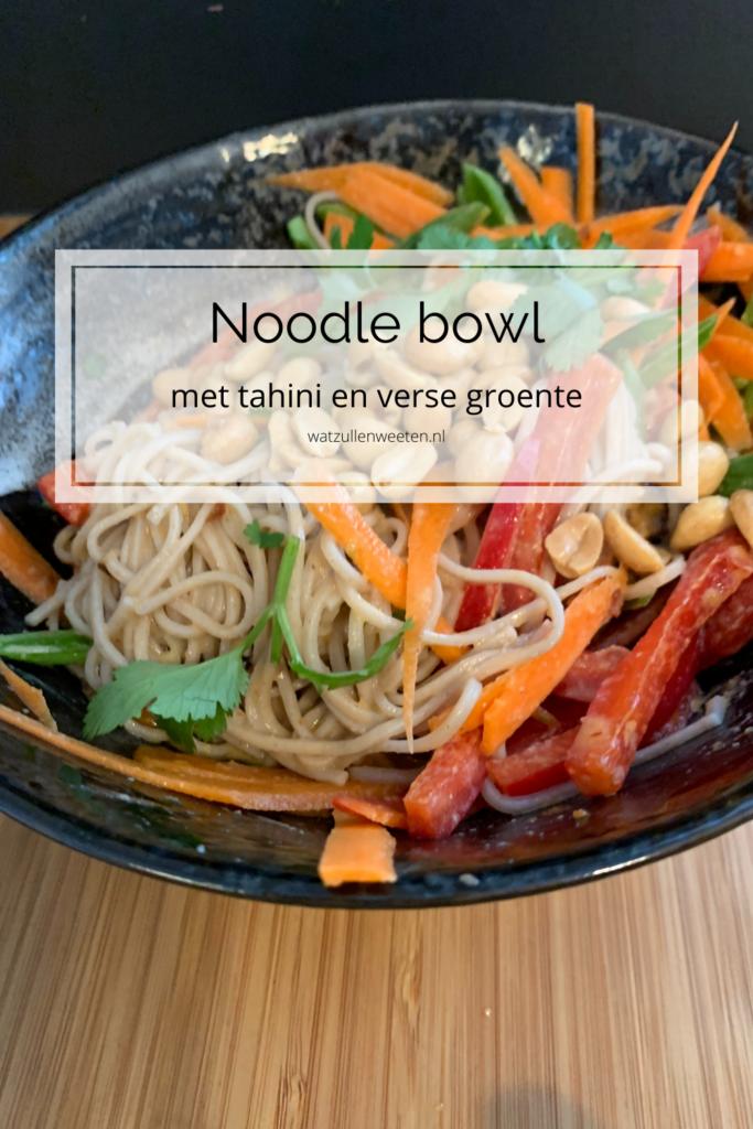 noodles met tahini en verse groente
